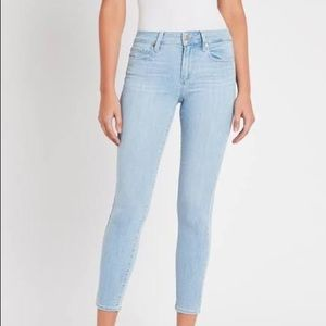 Paige Verdugo Ankle Jean in light wash